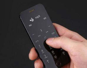 NTT DoCoMo将于11月下旬推出新款卡片型手机