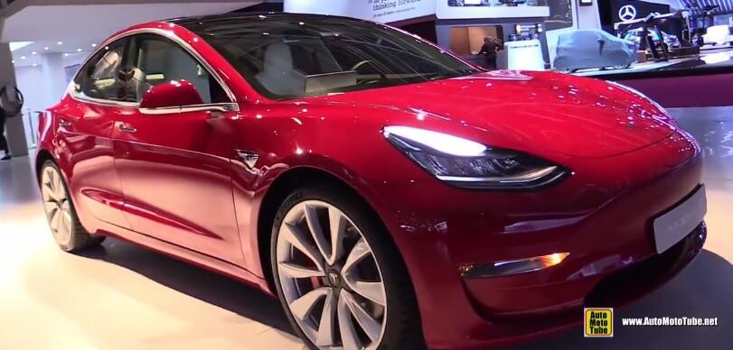 特斯拉推4.5万美元Model 3「外观内饰图片赏析」