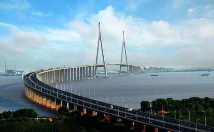 多科技创新供电港珠澳大桥 助推绿色经济发展