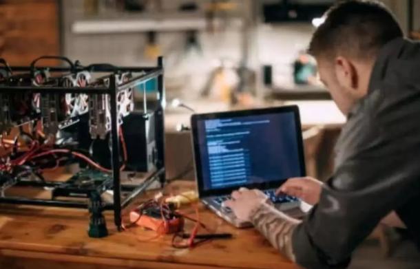 区块链工程师平均年薪超15万美元 比肩人工智能工程师