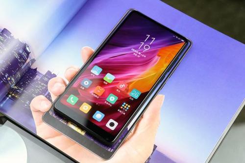 手机为什么屏幕越做越大?手机厂商命名有哪些套路?