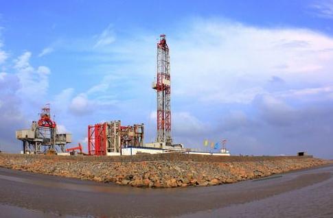 中石油正提速非常规资源开发 全年钻井超2000口