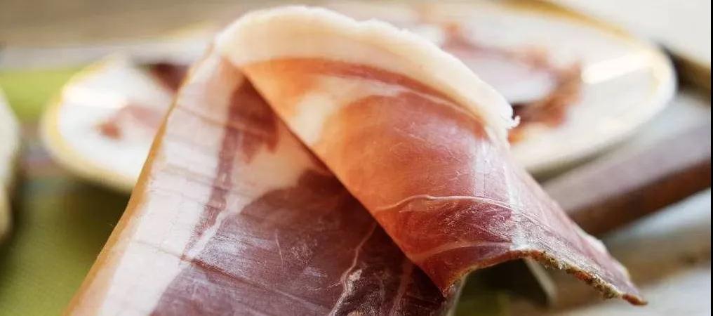 复合发酵剂的性能及其对干腌火腿微生物和理化特性的影响