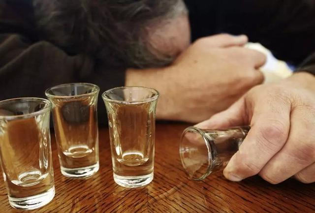 肺癌最喜欢你吸烟、肝癌最喜欢你喝酒、胃癌最喜欢你吃太咸......