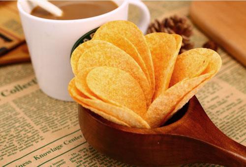 英国薯片厂商推出了一种可以完全降解的薯片外包装袋