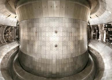 """我国大科学装置""""人造太阳""""等离子体中体电子温度首次达到1亿度"""