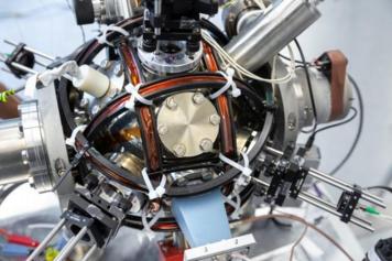 世界首个能抵抗干扰且不依赖GPS的量子指南针问世