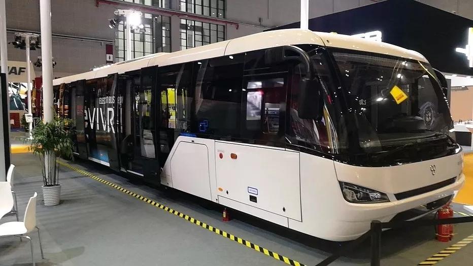 汉能与中国恒天TAM-Europe公司签订合作协议,共同打造全太阳能纯电动车