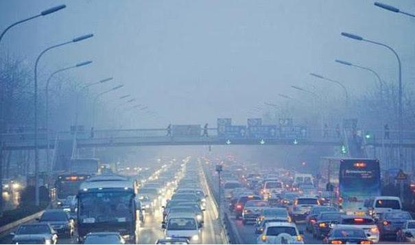 北京今天将达到本轮空气重污染峰值 预计明天白天空气污染状况将减轻