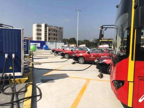 广州番禺最大规模充电站投运 可供300台纯电动公交车同时充电