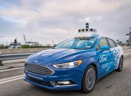 福特表示明年推出无人车队,价格只有现在共享出行服务的一半