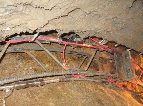 首次实现在富水砂卵石地层条件下成功下穿既有线