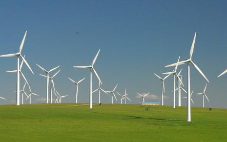 我国累计风电并网容量已达1.8亿千瓦 风电运维市场规模或达252亿