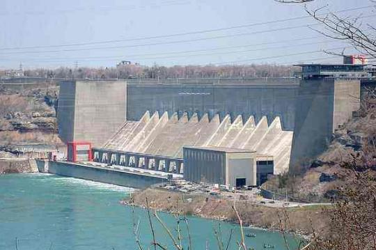 塔吉克斯坦罗贡水电站首台发电机组实现并网发电 塔吉克斯坦总统称意义非凡