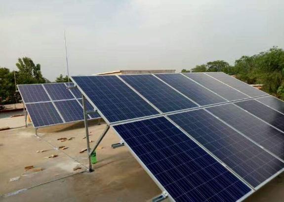 哥斯达黎加民众安装光伏系统以应对高昂电价