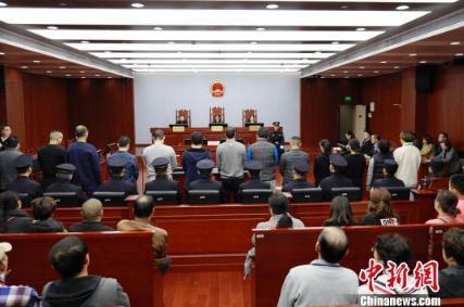 """上海首例套路贷宣判结果,首例因实施""""套路贷""""诈骗犯罪被判无期"""
