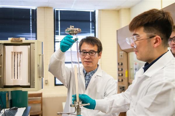 克莱姆森大学的研究人员开发用于储能的陶瓷激光3D打印技术