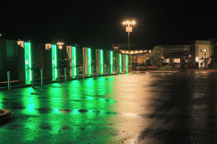 大众汽车在加州开设首个充电功率为350kW的超快速充电站
