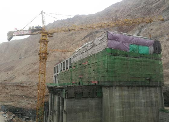 新疆阿尔塔什水利枢纽主电站厂房全线封顶