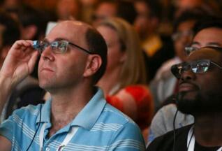 特斯拉申请增强现实技术专利:智能眼镜可帮助工人确定接头等位置