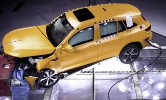 奔驰EQC电动SUV碰撞测试结果突出纯电动平台架构的安全性