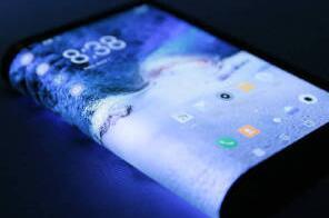 柔宇科技FlexPai柔派智能手机开启预售:8999元起售