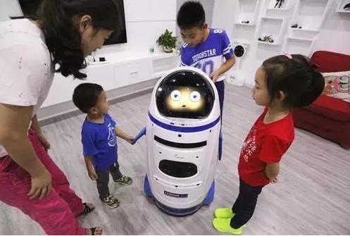 教育机器人在亲子教育中扮演什么角色?会拉远亲子亲密度吗?