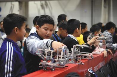 北京市学生机器人智能大赛向低龄学生倾斜