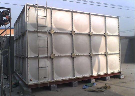 玻璃钢水箱性能优势及安装施工方案