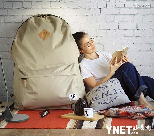 """""""""""背包客的衣橱""""超大包包由日本CWF公司生产"""