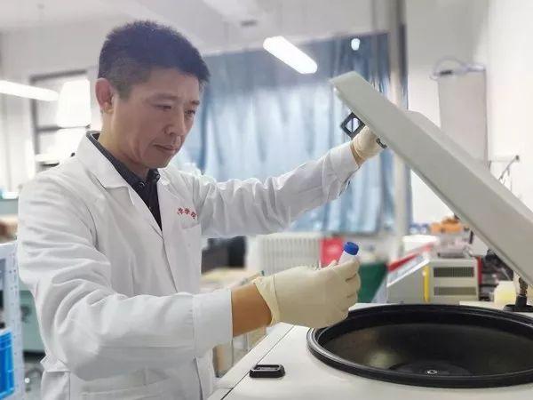 许晓东、陈红英和南昊团队发现藏在病毒中的朊病毒