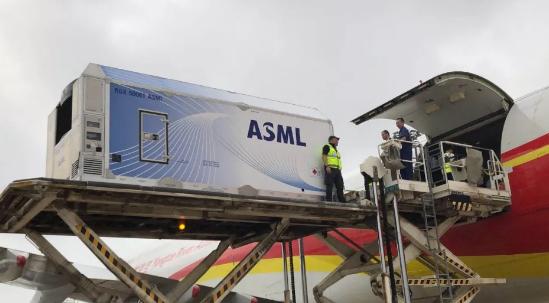 荷兰光刻机阿斯麦(ASML)CEO彼得·维尼克:看好对中国的出口!