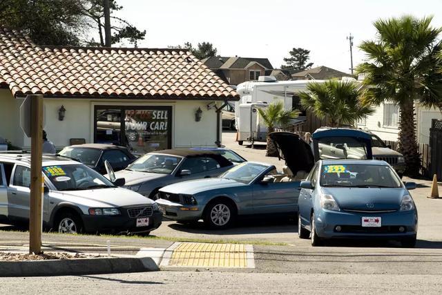 美国马路上为何有很多便宜车?美国人民对于汽车消费到底是怎样的?