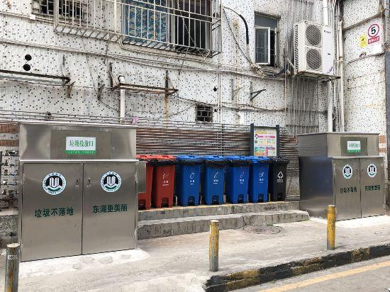 深圳罗湖区1.8米高新式垃圾箱引市民吐槽