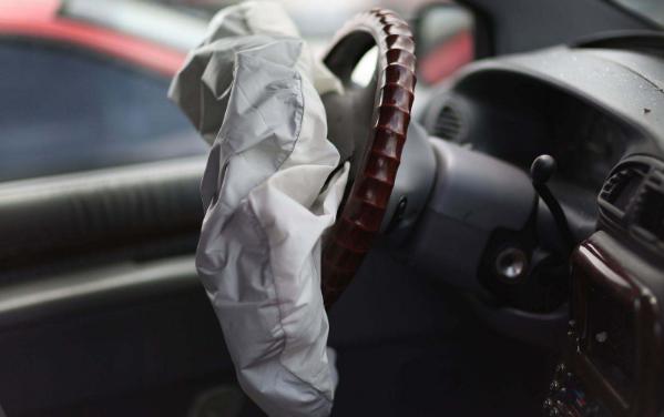 汽车安全气囊的系统构造有哪些?起爆条件是什么?