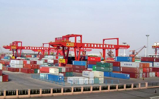 龙门吊用锂电池 武汉港口码头告别柴油味
