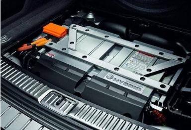 动力电池产能扩张过快,企业利润下滑
