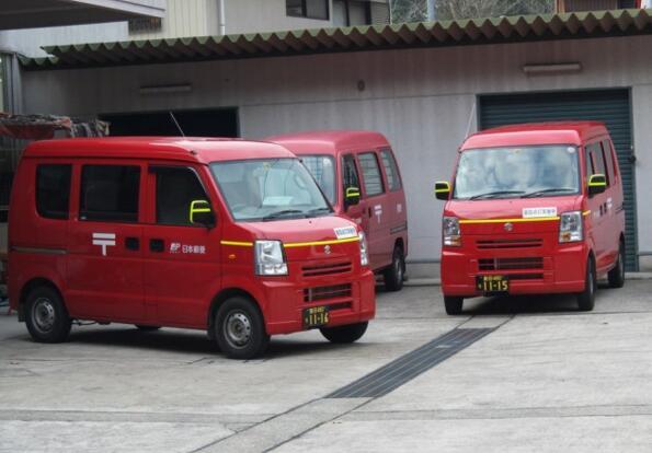 日本政府允许无人送货车在公共街道上测试并编制安全指南