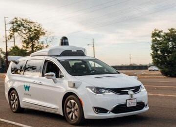Waymo自动驾驶汽车已可识别并服从交警现场指挥