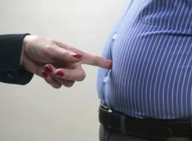 """肿瘤专家:""""踢走""""胃肠道间质瘤,应首选手术切除"""