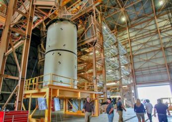 """NASA考虑把""""猎户座""""飞船转给商业火箭,以使绕月飞行任务能够如期进行"""