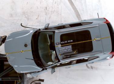 2019新款沃尔沃XC40荣获美国IIHS评选的最安全车型评级