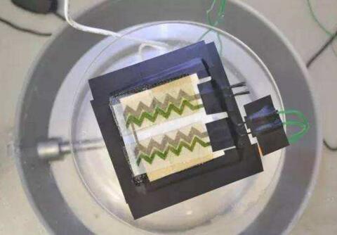 英国帝国理工学院研制出一种新型电池,能在几秒内完成充放电!