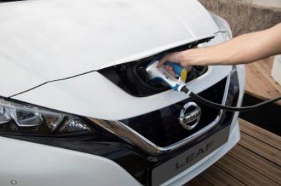 全球电动汽车竞赛潮流下 英国为何落后?