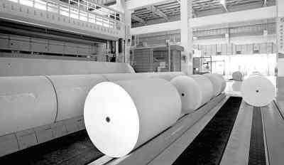 表面施胶中添加白碳黑与塑料有机颜料对新闻纸不透明度影响