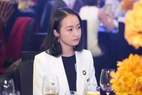 湖畔大学五期开学:41位湖畔新生有13名是女性,香飘飘公主蒋晓莹也在其中