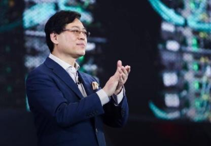 联想CEO杨元庆:只要山在那里,我们就要立志登顶