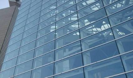 双层玻璃幕墙的特点、研究现状及与建筑设计要点