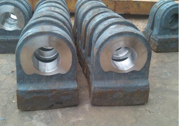锤式破碎机锤头的特点是什么?怎样提高锤式破碎机锤头寿命?