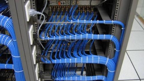 光纤通信是什么?光纤通信技术的优缺点与应用领域